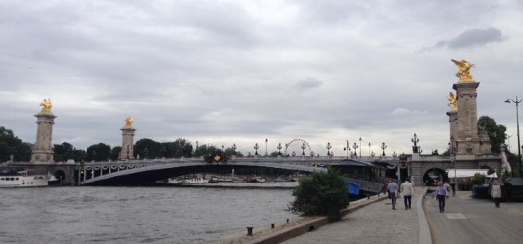 STROLL ON THE BANKS OF THE SEINE , All Happiness !!!
