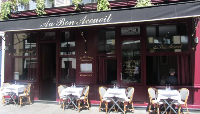 AU BON ACCUEIL- Near the Eiffel Tower