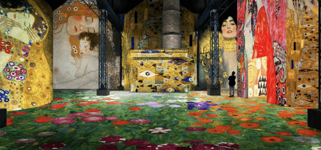 Gustav Klimt at the Atelier des Lumières: photos from the immersive exhibition