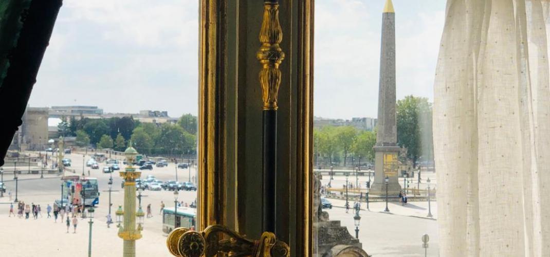 THE HOTEL DE LA MARINE: SUNDAY AFTERNOON